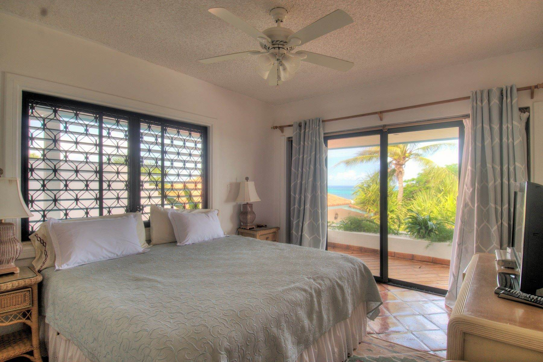 19. Single Family Homes for Sale at Blue Mountain, Providenciales Turks And Caicos Islands