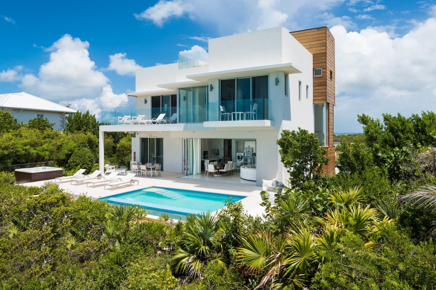 44. Single Family Homes for Sale at SOL Y LUNA Sapodilla Bay, Providenciales Turks And Caicos Islands
