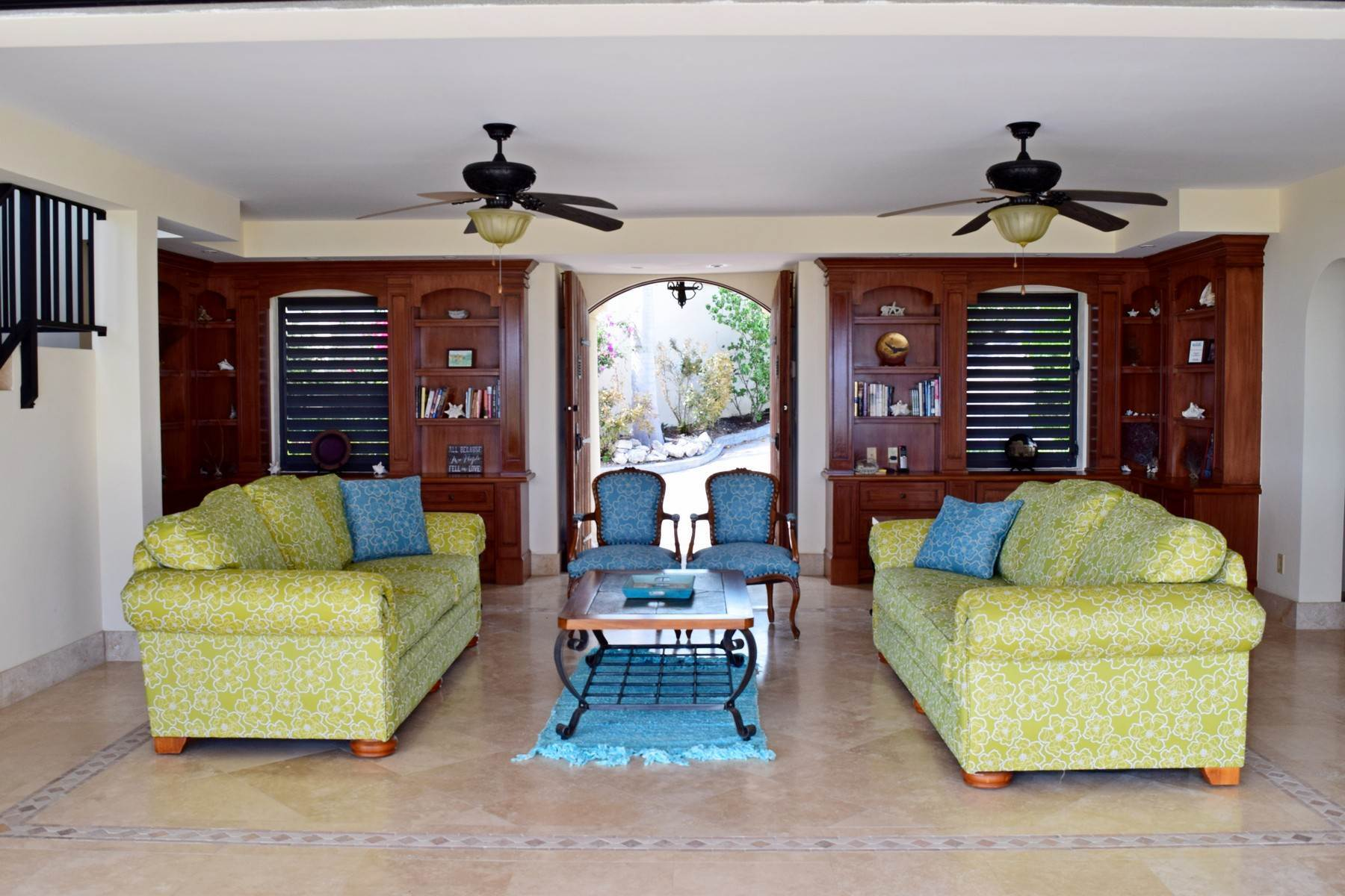 9. Single Family Homes for Sale at Coral View Villa Richmond Hill, Providenciales Turks And Caicos Islands