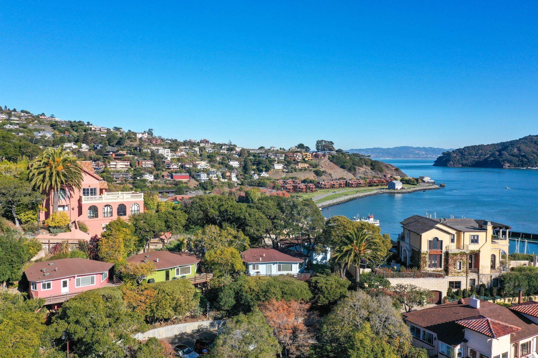 Single Family Homes for Sale at Corinthian Island Cottages 49 Alcatraz Avenue Belvedere, California 94920 United States