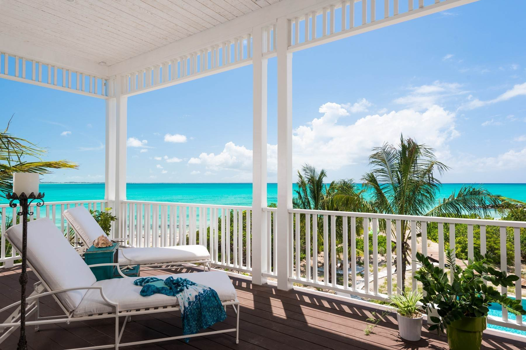 10. Single Family Homes at Saving Grace Vacation Rental 4 Tranquility Lane Grace Bay, Providenciales TC Turks And Caicos Islands