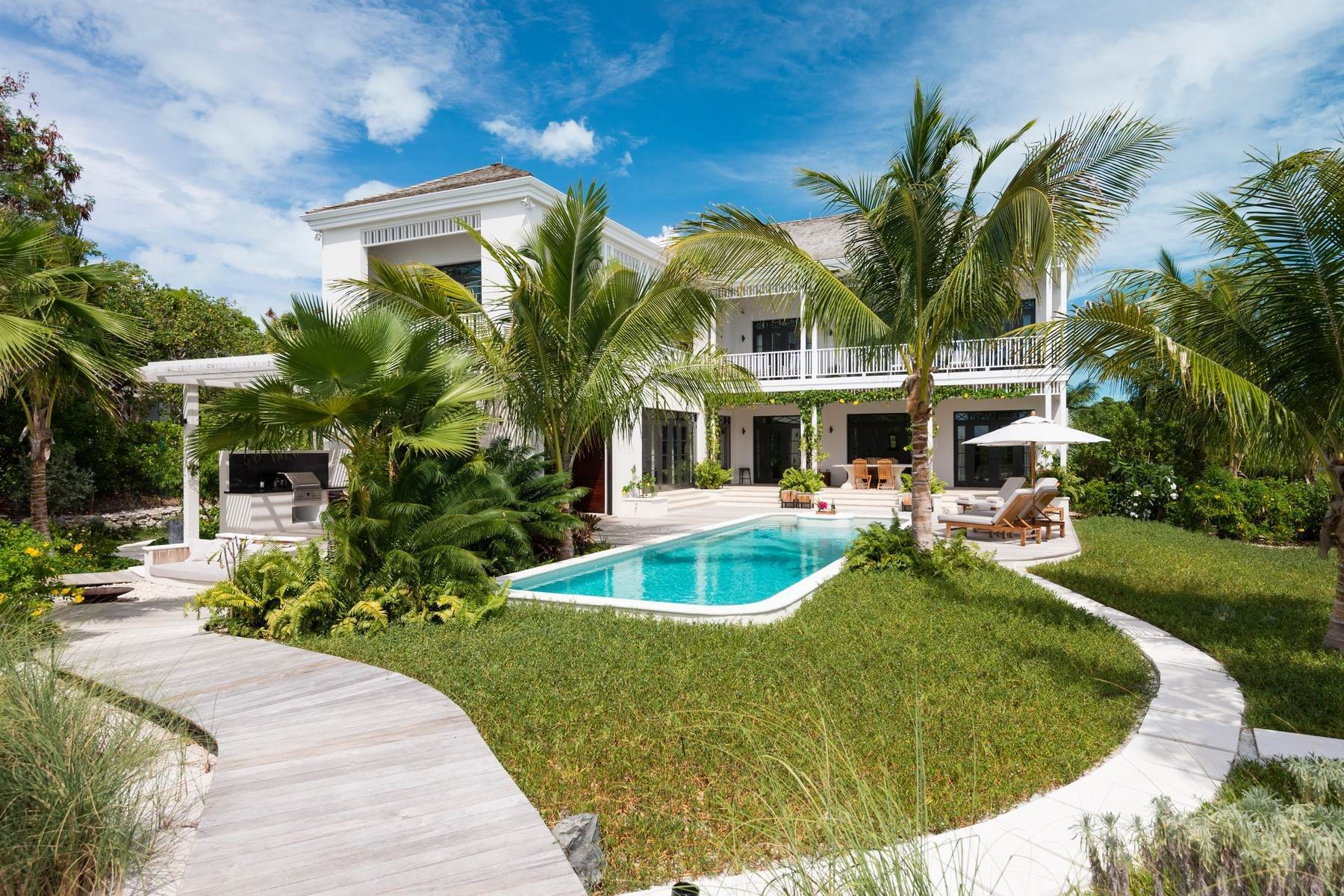 19. Single Family Homes at Saving Grace Vacation Rental 4 Tranquility Lane Grace Bay, Providenciales TC Turks And Caicos Islands